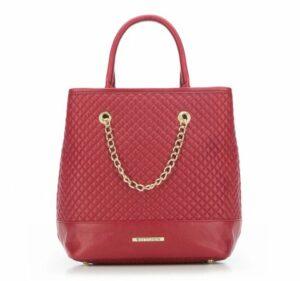 pikowany czerwony kuferek