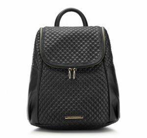 pikowany czarny plecak
