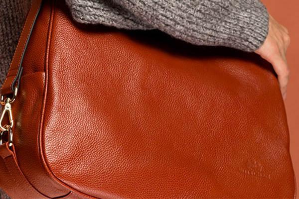 Jak przechowywać torebki skórzane?