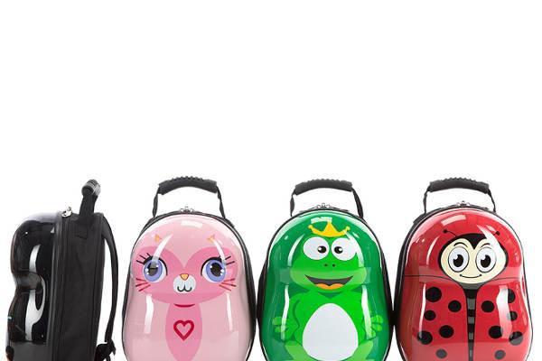 Plecaki duże i małe - w co się spakować na wakacje