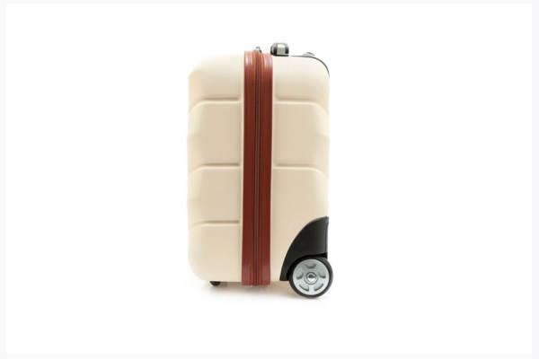 17152e41967be Walizki na czterech czy dwóch kółkach? Jak wybrać idealną walizkę podróżną