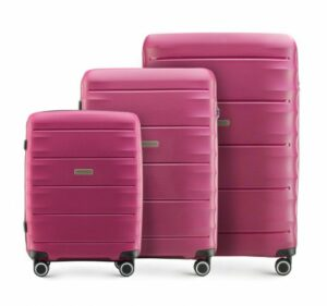 ciemnoróżowy zestaw walizek z kolekcji PP Light One