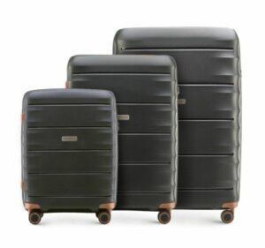 czarny zestaw walizek z kolekcji PP Light One