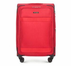 czerwona walizka z kolekcji Travel Light II