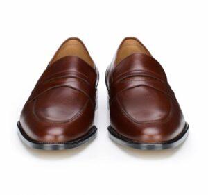 ciemnobrązowe loafersy