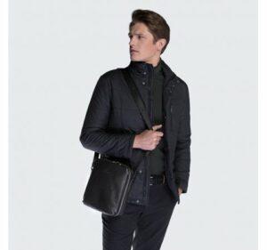 czarna listonoszka z kolekcji Office Leather