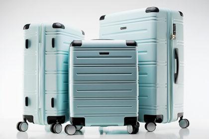 21854b92e2e82 Zestaw walizek dla całej rodziny – na co zwrócić uwagę?