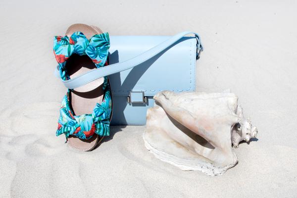 Klapki i sandały damskie idealne na plażę i na co dzień