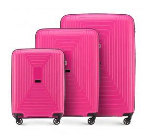 modne walizki: różowy zestaw walizek z polipropylenu