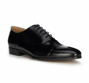 czarne buty oksfordy