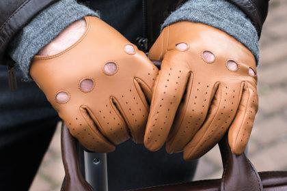 Rękawiczki samochodowe – dla kogo i do czego?