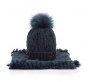 dodatki na jesień i zimę – czapka i szalik w komplecie
