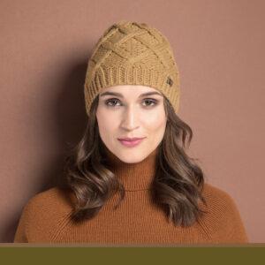 karmelowa czapka damska