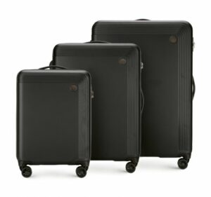 zestaw walizek w czerni