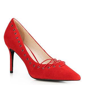 walentynkowe stylizacje: czerwone szpilki ze sznurówką