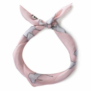 prezent dla dziewczyny: różowo-szara apaszka