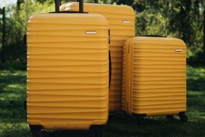 Przed Tobą pierwsza odprawa bagażowa na lotnisku? Krok po kroku wyjaśniamy, co należy zrobić!