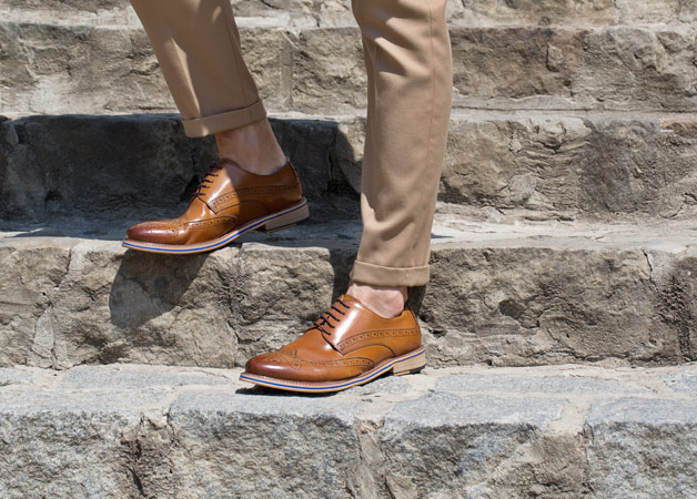 Eleganckie buty do beżowego garnituru