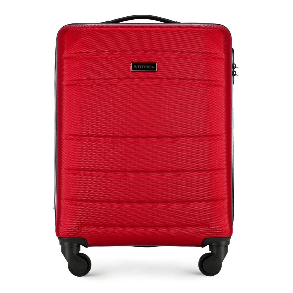 Karminowoczerwona walizka