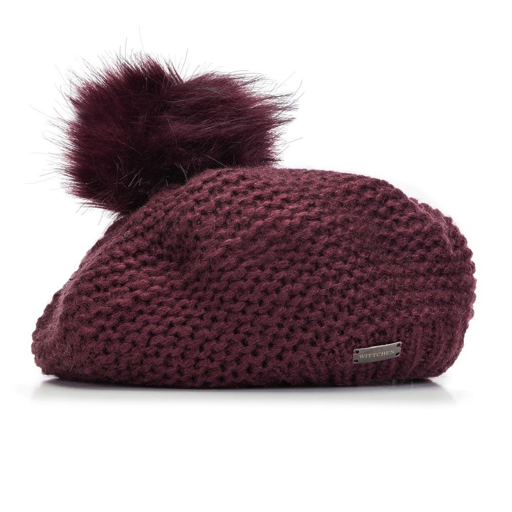 Dzianinowa czapka o kroju beretu
