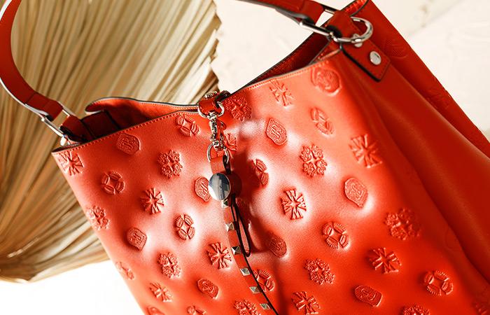 Индивидуализм: сумочка со съемными украшениями