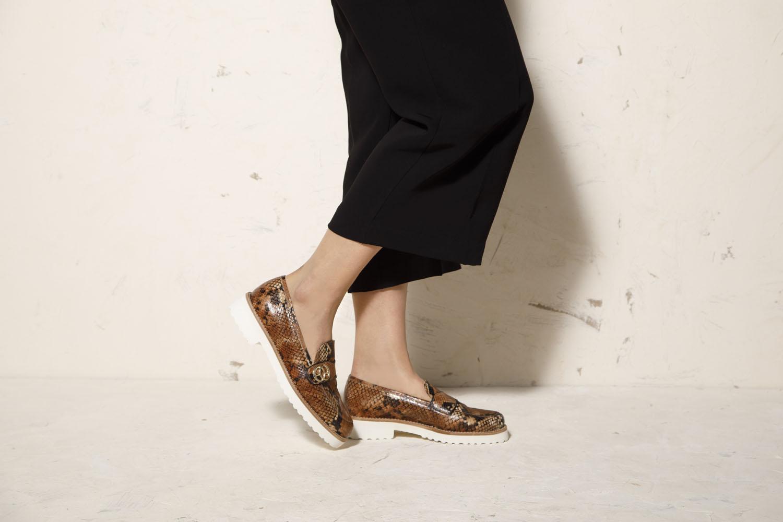 Mokasyny na platformie do spodni z szeroką nogawką