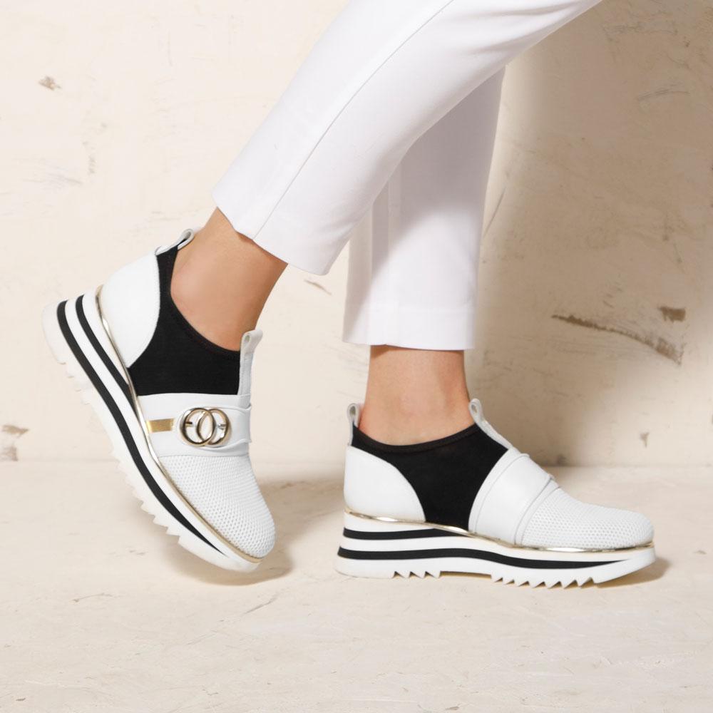 Ażurowe sneakersy na platformie