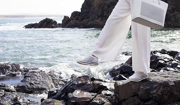 Jakie buty spakować na wakacje? Lista dla niej i dla niego